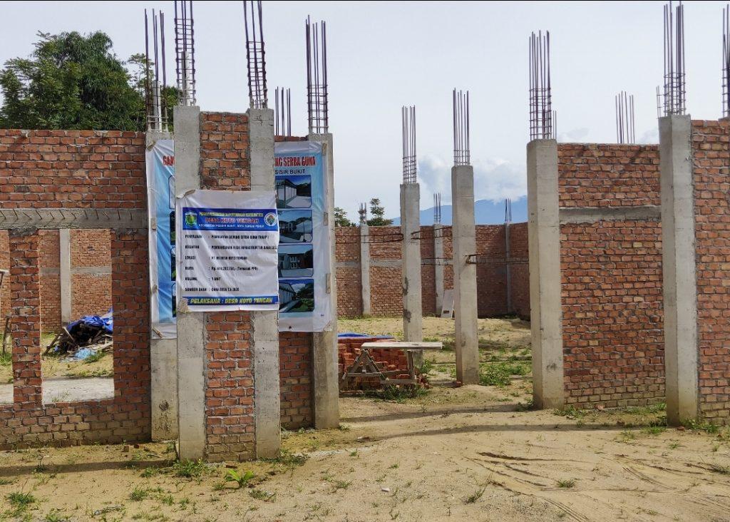 Telan Dana Ratusan Juta, Proyek Gedung Serbaguna Desa Koto Tengah Tak Selesai